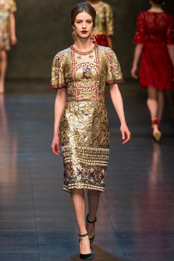 Dolce-Gabbana-Fall-Winter-2013-2014-33-600x901