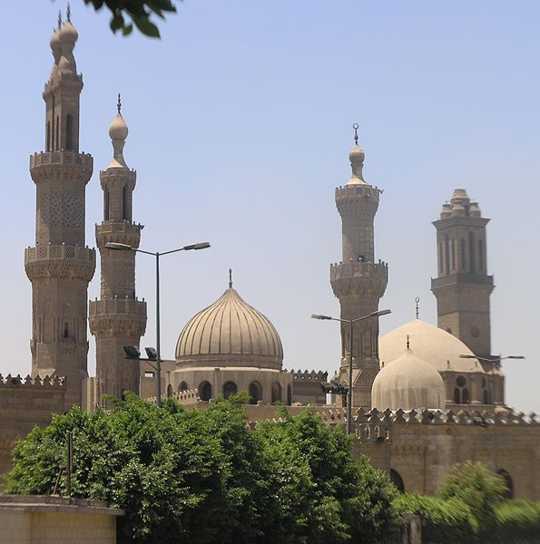 595px-Cairo_-_Islamic_district_-_Al_Azhar_Mosque_and_University