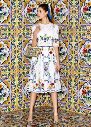 dolce-and-gabbana-winter-2017-woman-collection-682-321x450