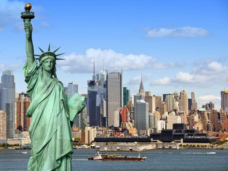6793new-york-city-skyline-and-statue-of-liberty-2
