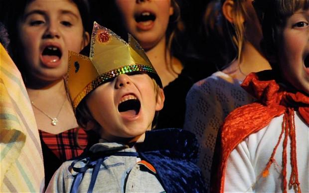 xchristmas_nativity_singing-jpgq1447168541-pagespeed-ic-vkao1vrdvq