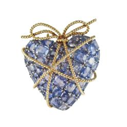 verdura_vintage_wrapped_heart_brooch.jpg__760x0_q75_crop-scale_subsampling-2_upscale-false